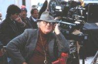 """Federico Fellini sul set di """"La voce della luna"""""""