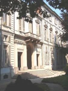 Vista dell'ingresso posteriore di palazzo Cisterna